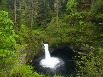 Eagle Creek to Punch Bowl Falls Hike - Hiking in Portland