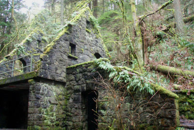 Stone house hiking in portland oregon and washington for Building a house in portland oregon